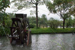 蘭陽博物館外的水車,玩水囉