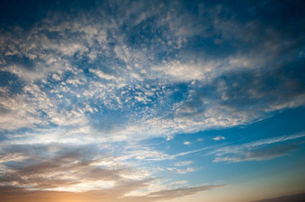 梅花湖的雲彩