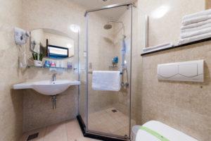 羅東民宿浴室